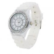 Модные женские кварцевые наручные часы на белом силиконовом ремешке