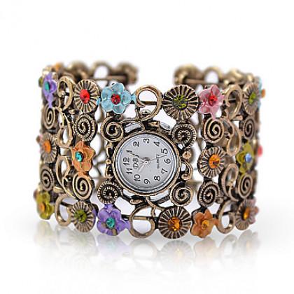 Женские часы-браслет с кристаллами Artemis