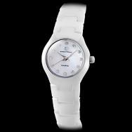 Женские кварцевые наручные часы на керамическом ремешке белого или цвета айвори. Циферблат украшен камешками
