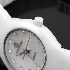 Женские кварцевые наручные часы ..